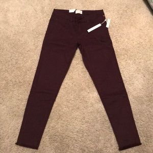 New Caslon skinny jeans Pretty plum color
